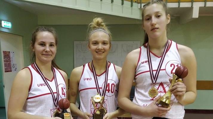 Anete Elisabeth Adler ja Maarja Grünmann vedasid Audentese U16 naiskonna EGBL-i turniiril võidule