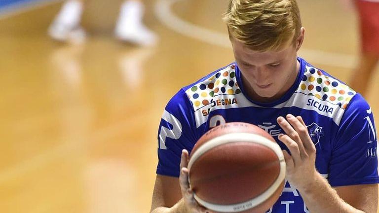 Play-off'iks koduväljakueelist jahtiv Sassari võttis tugeva viimase veerandajaga üllatusvõidu