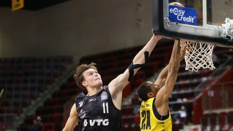 Hamburg võitis lõpusekundite korvist, Kotsar viskas taas üle 20 punkti
